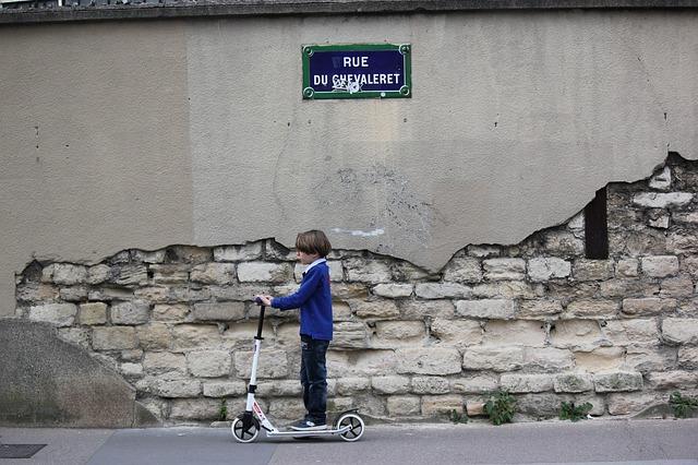 Conseils de sécurité quand on transporte un enfant en deux roues
